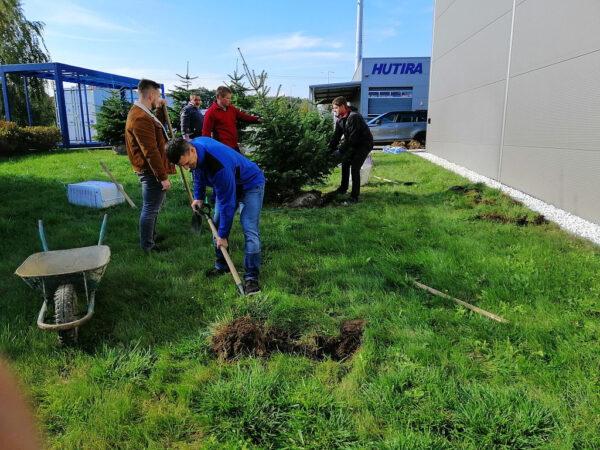 Udělejme něco dobrého – zasaďme strom
